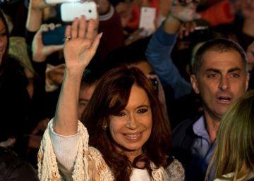 Justiça obriga ex-presidenta a voltar a Buenos Aires para depor