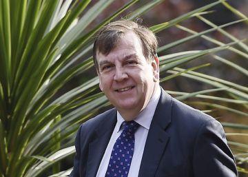 la prensa británica silencia la relación de un ministro con prostitutas la prostitucion