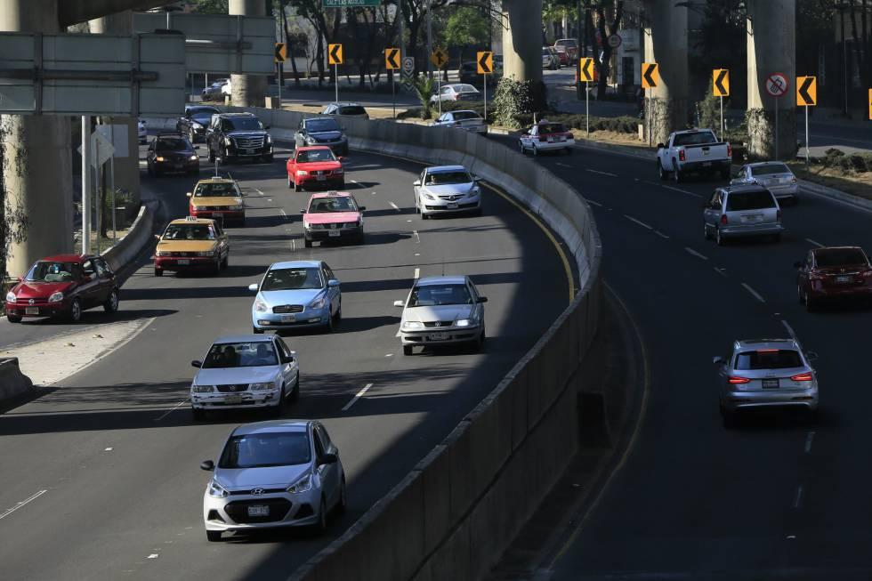Así lucen algunas calles de la Ciudad de México con las restricciones a la circulación.
