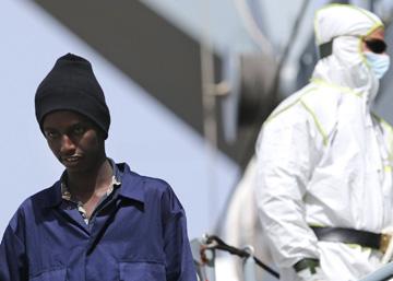 Italia vive un repunte de llegadas de africanos y teme un éxodo sirio