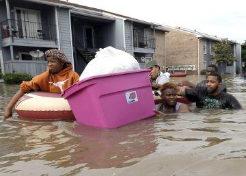 Las inundaciones causan cinco muertos en el sureste de Texas