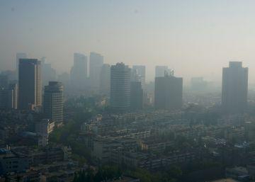 Conmoción en China al enfermar 500 escolares por contaminación