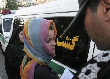 Teherán refuerza la policía de la moral con 7.000 agentes de paisano