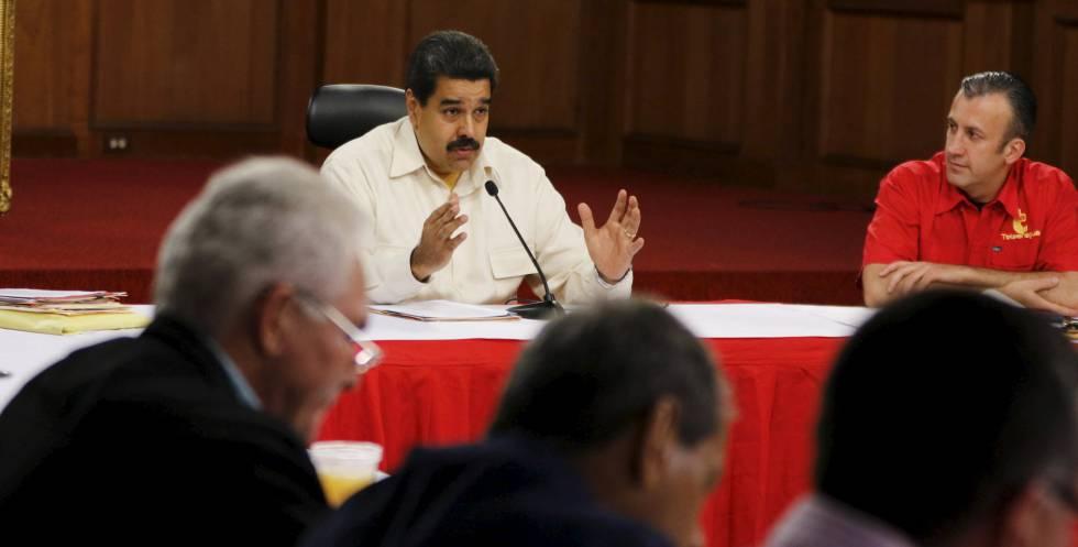 Conselho Eleitoral permite início do processo para revogar mandato de Maduro