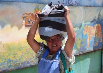 """El ingreso de mujeres al mercado laboral se estanca durante el """"boom"""" en Latinoamérica"""