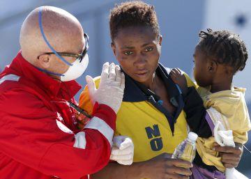 Un naufragio en aguas libias deja decenas de desaparecidos