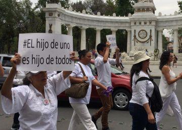 Los padres del 'Caso Matatena' se manifestaron en la Ciudad de México.