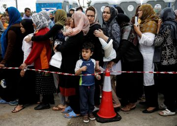 Bruselas propone multar a los Estados que no acojan refugiados