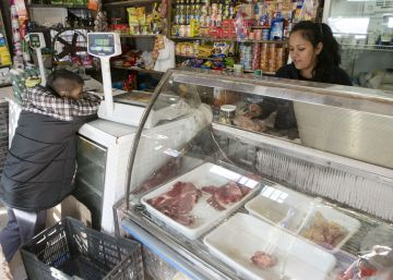 As inflation soars, patience wears thin in the slums of Buenos Aires