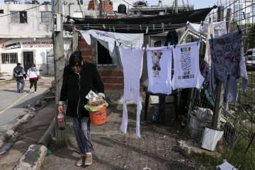 La miseria se                      hace más dura en tiempos de subas de precios y                      desempleo.