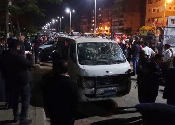 Ocho policías egipcios mueren en un ataque al sur de El Cairo