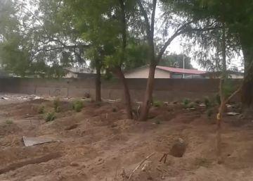 Niños y bebés mueren de sed y enfermedad en un centro de detención de Nigeria