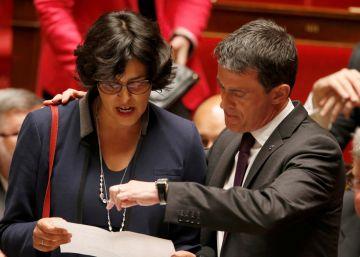 Valls afronta la moción de censura con los socialistas en guerra abierta