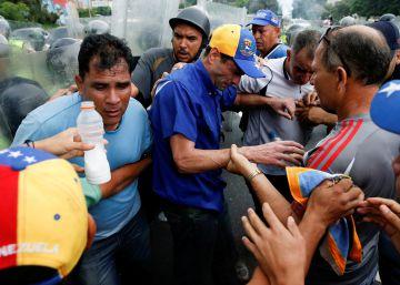 El chavismo impide el desarrollo de la marcha de la oposición