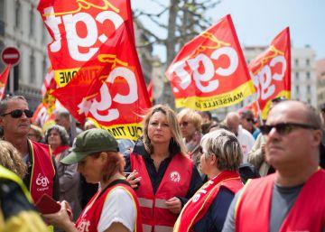 Valls supera con holgura la moción de censura por la reforma laboral