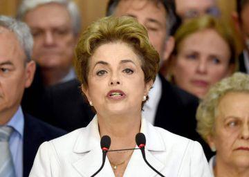 Dilma Rousseff en su primera rueda de prensa tras ser alejada de la presidencia.