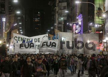 La universidad pública se moviliza en la calle contra Macri