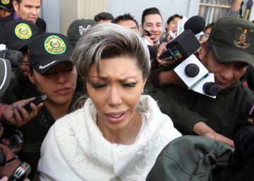 Detienen por fraude a los abogados de la exnovia de Evo Morales