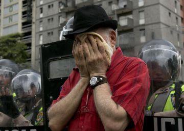 El régimen persigue a quienes piden el revocatorio