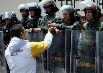 Militares leales a Chávez se desmarcan de la gestión de Maduro