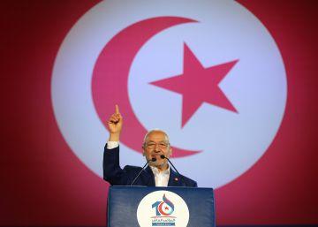 Ennahda abandona las tareas religiosas para centrarse en política