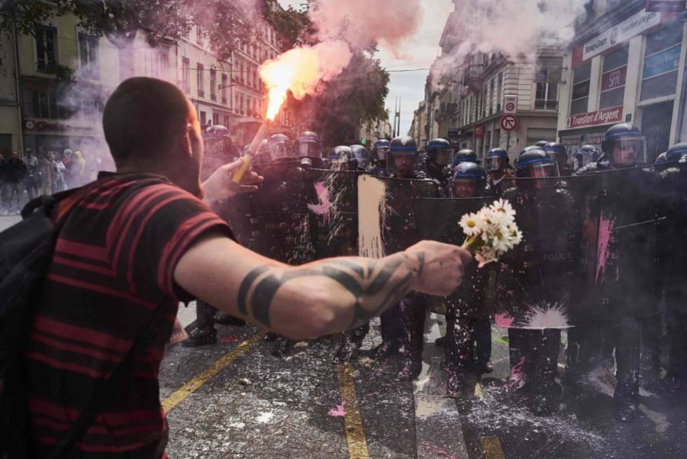 Las protestas en Francia se agravan con más violencia en las calles