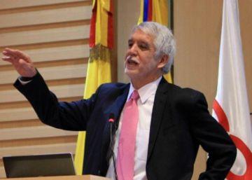Los escándalos que acorralan al alcalde de Bogotá