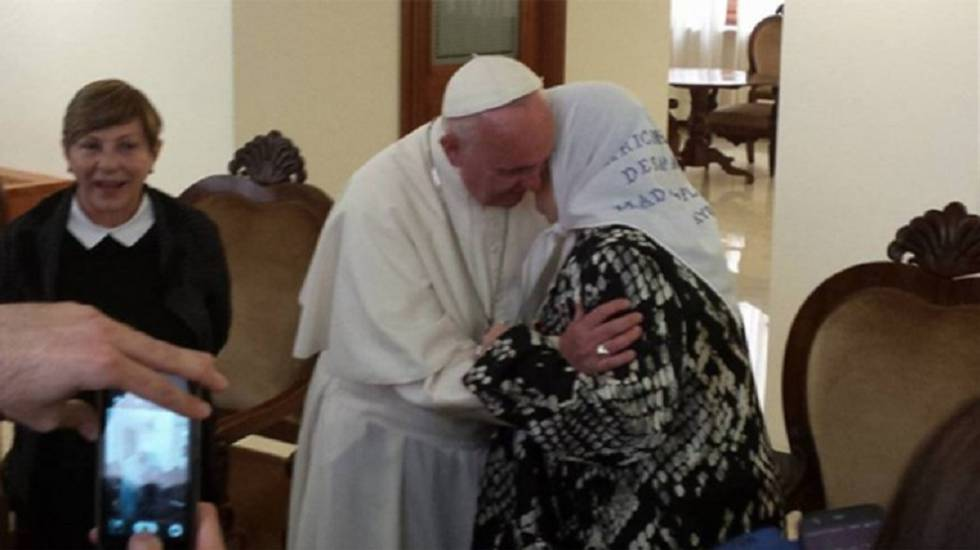 Francisco recibe a Hebe de Bonafini en Santa Marta