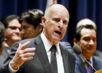 El gobernador de California urge a los demócratas a unirse en torno a Clinton