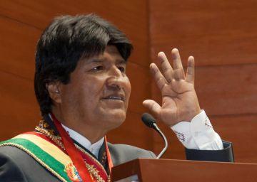 El Ejército boliviano canta un himno a Evo Morales