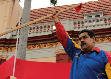 Diálogo 'manu militari' en Venezuela