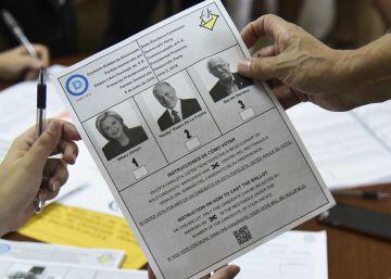 Clinton acaricia la nominación demócrata tras ganar en Puerto Rico