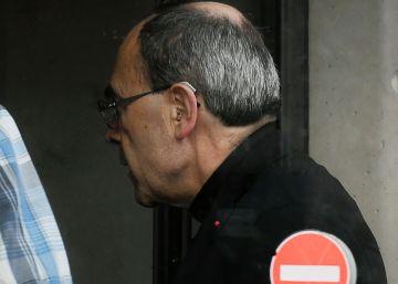 La policía interroga al cardenal francés Barbarin por tapar casos de pedofilia