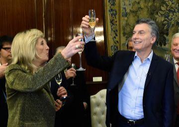 Macri da marcha atrás con un proyecto de ley que prevé cárcel para periodistas