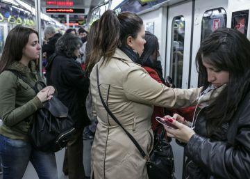 Buenos Aires debate instalar vagones de metro solo para mujeres
