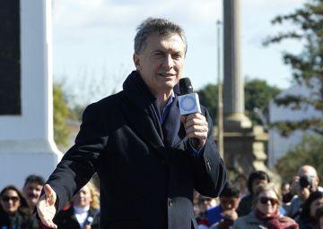 Macri se desgasta pero resiste en las encuestas tras seis meses de ajuste duro