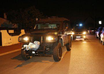 Un presunto yihadista francés mata a un policía y una funcionaria de Interior