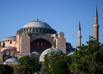 El rezo del Corán en Santa Sofía genera tensión entre Turquía y Grecia