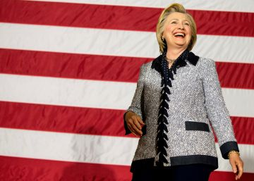 Clinton looks to rally Sanders supporters