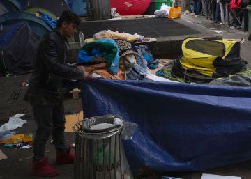 París aplaza la apertura de su campo de refugiados para después del verano