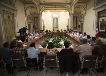 """El Gobierno mexicano ofrece """"tocar todo y hablar todo"""" a los maestros disidentes"""