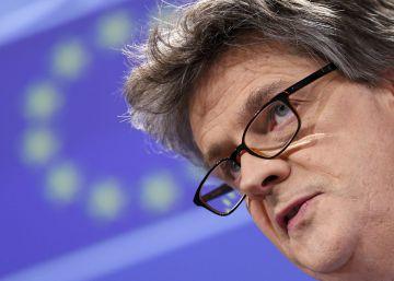 Dimite el comisario británico en la UE