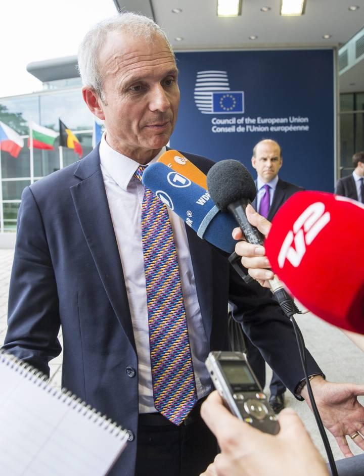 Tambalea la Unión Europea - Página 2 1466884708_848453_1466884871_noticia_normal_recorte1