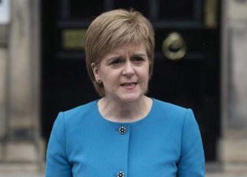 La líder de Escocia sugiere que su Parlamento podría vetar el 'Brexit'