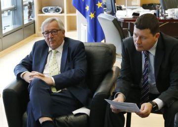 Bruselas baraja conceder tiempo a Reino Unido ante la grave crisis política