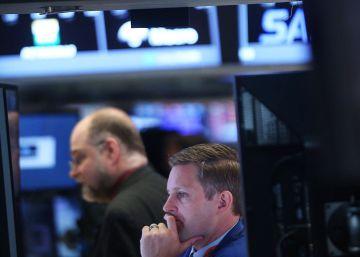 S&P rebaja un escalón la calificación de la deuda británica por el 'Brexit'