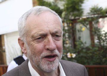 Jeremy Corbyn pierde la confianza de sus diputados