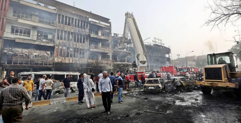 La zona del atentado, en el distrito de Al Karrada de Bagdad.