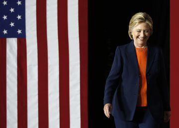 Clinton insiste en su inocencia horas después de ser interrogada por el FBI