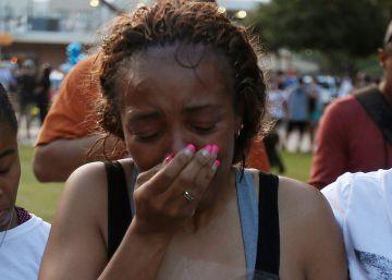 """Obama afirma que el asesino de Dallas era """"un demente"""" que no representa a los negros"""